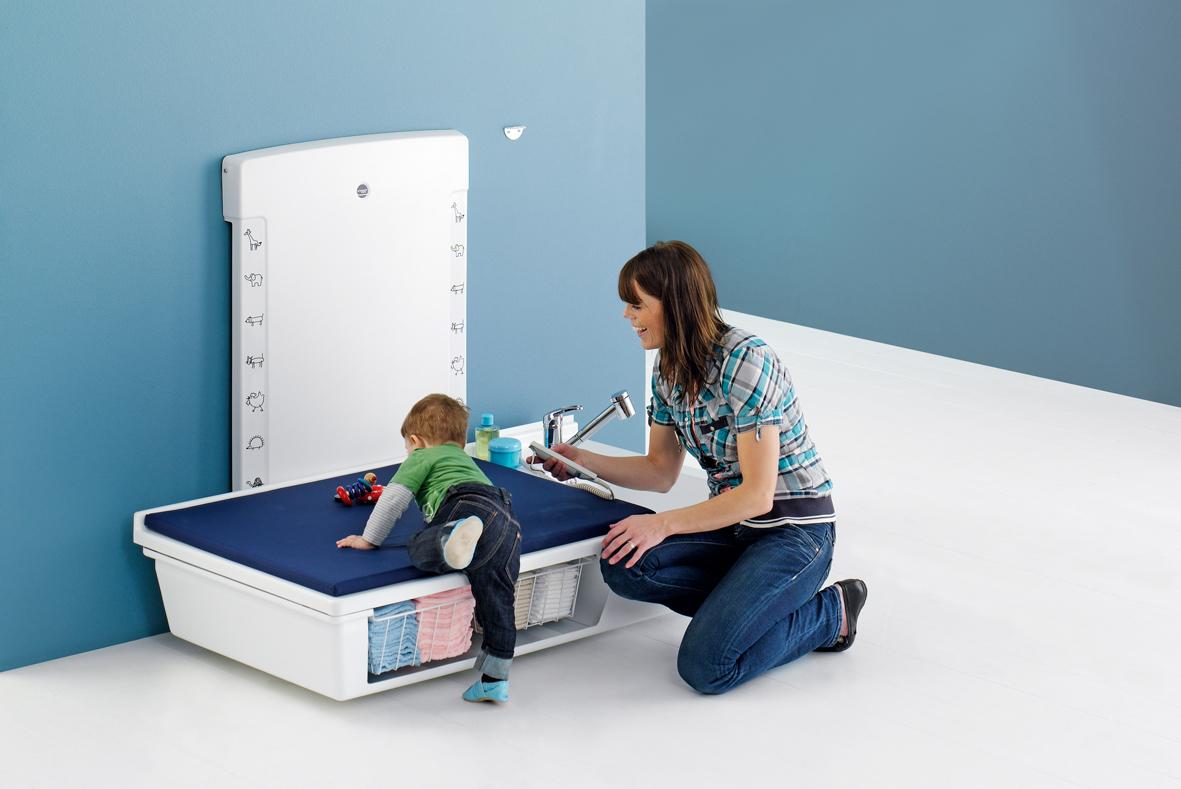 wickeltische f r erwachsene pflegediscount gelnhausen. Black Bedroom Furniture Sets. Home Design Ideas